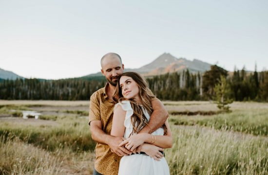 Nora Emily Photography, Sparks Lake Couples Photoshoot, Pacific Northwest, Sunset Session, Couple Photographer